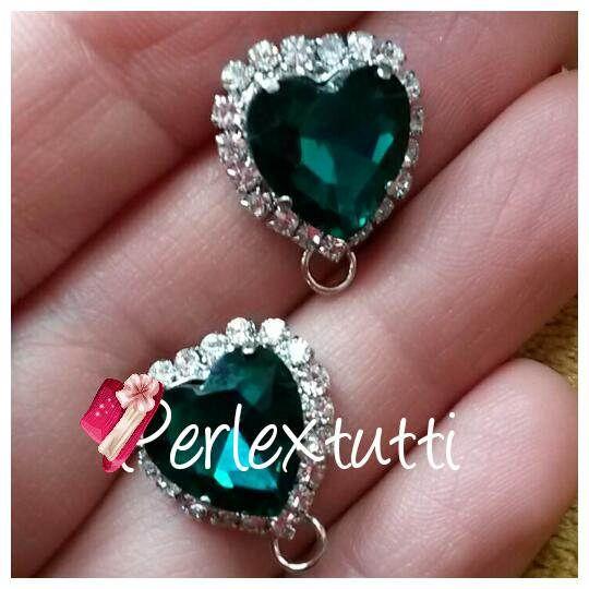 Guarda questo articolo nel mio negozio Etsy https://www.etsy.com/listing/522448929/heart-16x13-mm-emerald-green-earrings