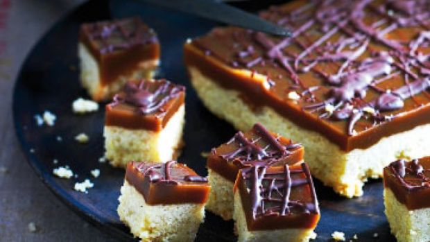 Julekage med karamel, vanilje og kanel
