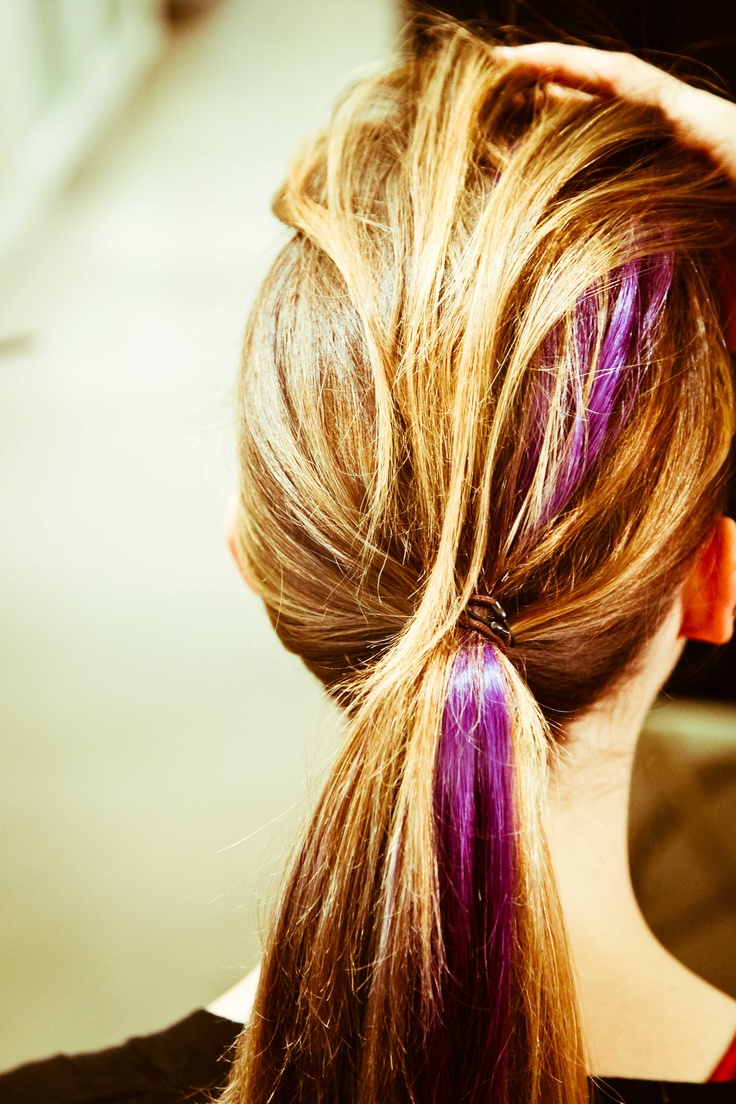streaks in hair styles 25 best ideas about purple streaks on purple 4144