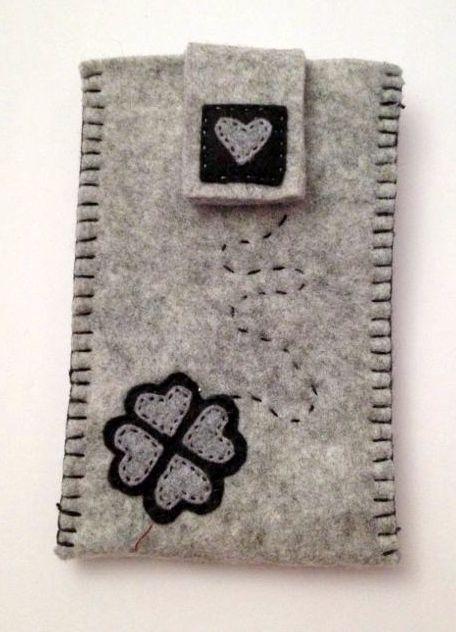 La Girandola Creativa:Porta cellulare in  Feltro