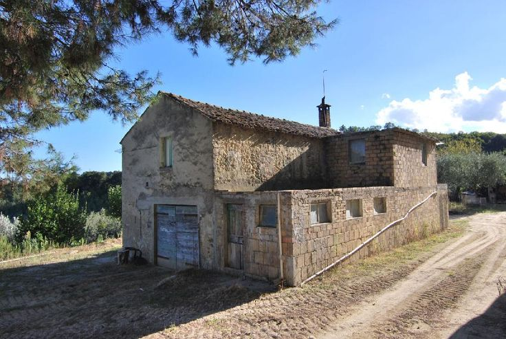 Country House with 5 hectares of land € 160000