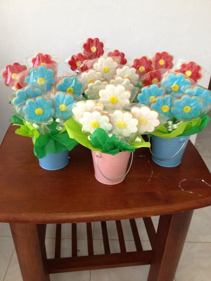 Flower cookies bouquet by Dulce Galeria