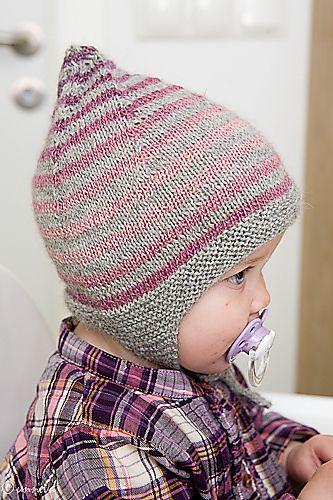 Little gnome hat by Unnur Eva Arnarsdóttir. 1-2 years. Strikke i grå silkealpakka og rosaspraglet fra drops