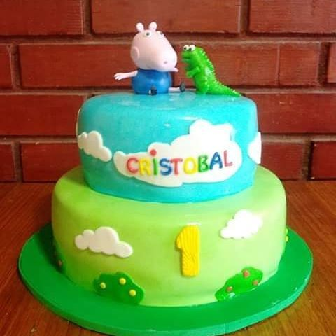 #George_Pig #fondant #cake by Volován Productos  #instacake #Chile #puq #VolovanProductos #Cakes #Cakestagram #SweetCake