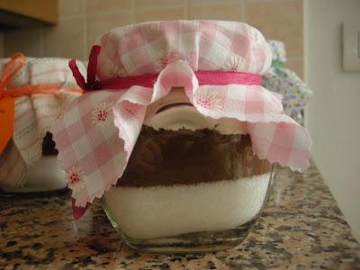 IDEA PER UN PENSIERINO: Torta in vaso... con stoffa 1 post creativo al giorno: #96/365