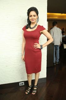 Actress Pooja Kumar Pictures in Short Dress at Uttama Villain Press Meet  24.JPG