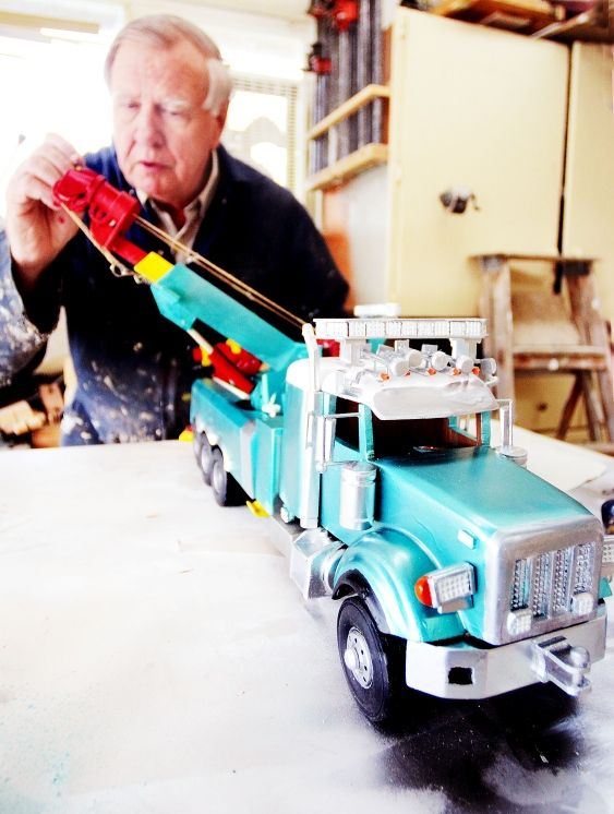 Highway Thru Hell wood carved tow truck!