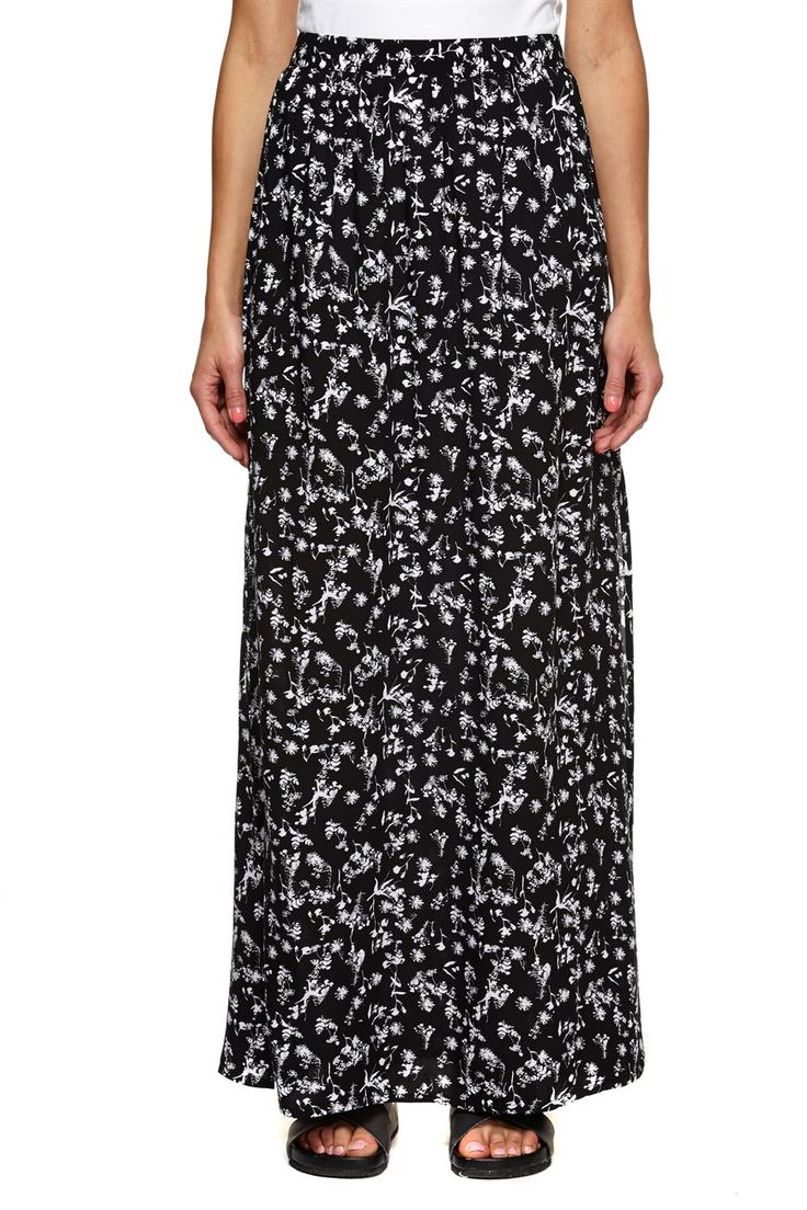 Take It To The Max From Day To Night In This Skirt With Side Split Detail. Composition: 100% Viscose