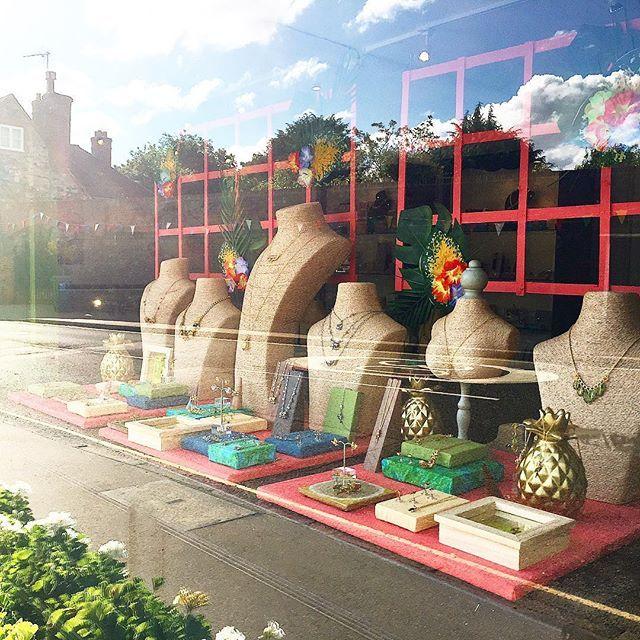 🌿🍍:: The Tropicana Windows :: 🌺🌿 We've been busy changing our windows in Otford & Tenterden boutiques, bringing a burst of sunshine in June despite the rain...next stop Bath!  Here's snap from our Otford shop! 🌴✨  .  .  .  #BillSkinner #vm #visualmerchandising #ss17 #ss17windows #tropical #tropicana #jewelrydesigner #tenterden #otford #sevenoaks #kent #bath #bristol #bathlife #kentlife #pineapples #goldpineapples #palmleaves