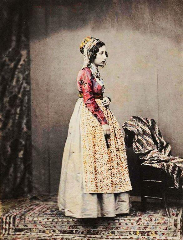 Παραδοσιάκη φορεσιά