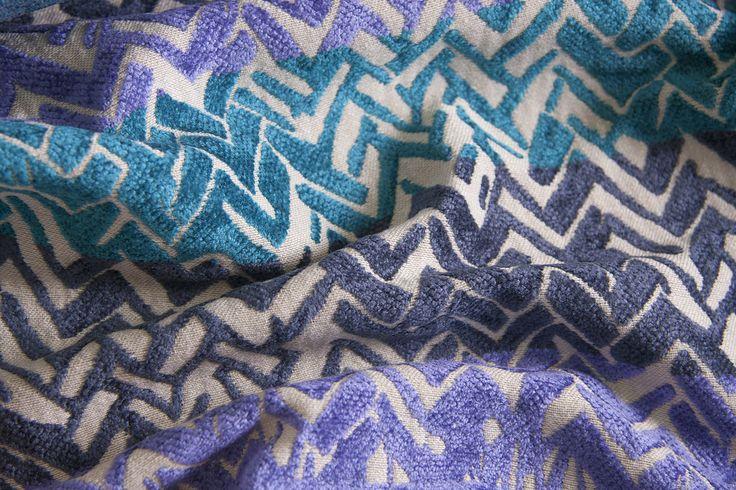 SHINE L1395 03 Склад:58% PL, 36% AC, 6% VI ширина – 138/140 см вага – 660 г/м² #interiorfabrics #джакард #тканинадлямеблів #тканидлямебели