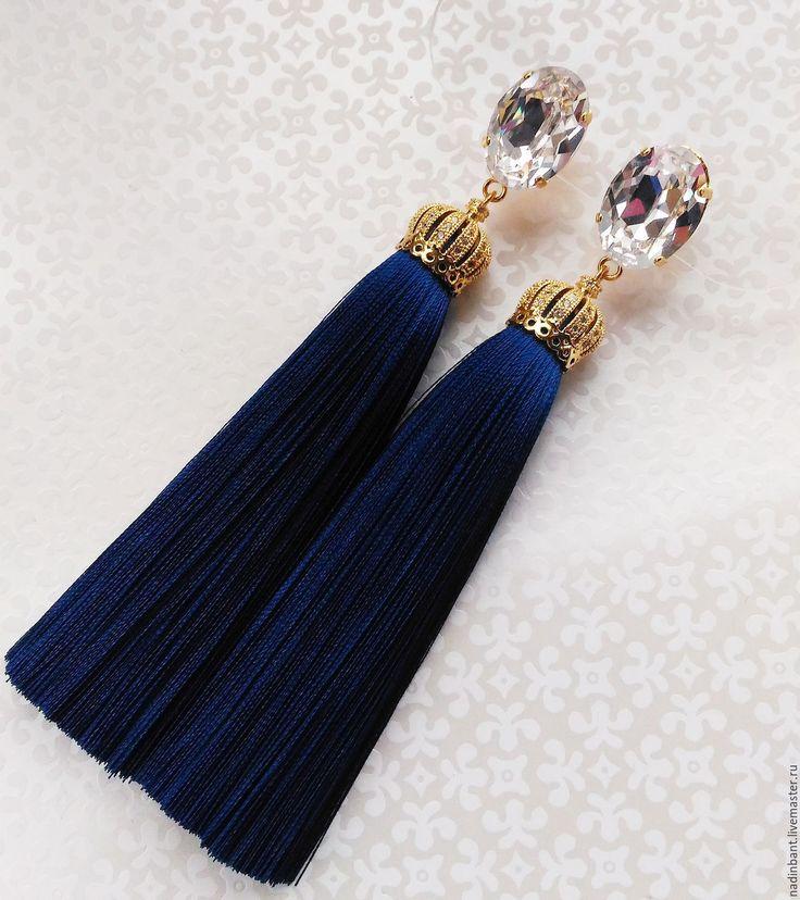 """Купить Серьги кисти """"Bright в синем"""" шелк, Сваровски - тёмно-синий, серьги, сережки, гвоздики"""