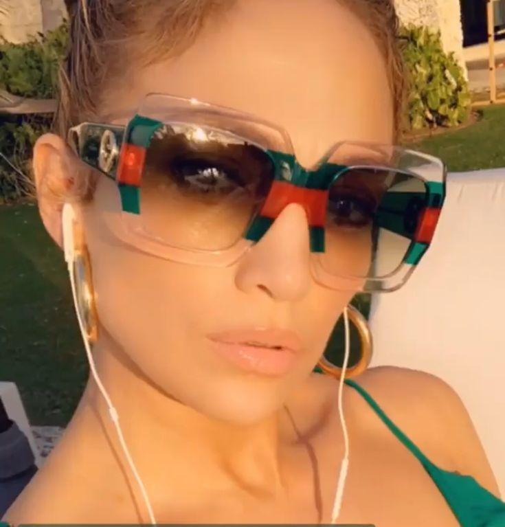 Jlo Wearing Gucci Sunglasses Sunglasses Jenniferlopez