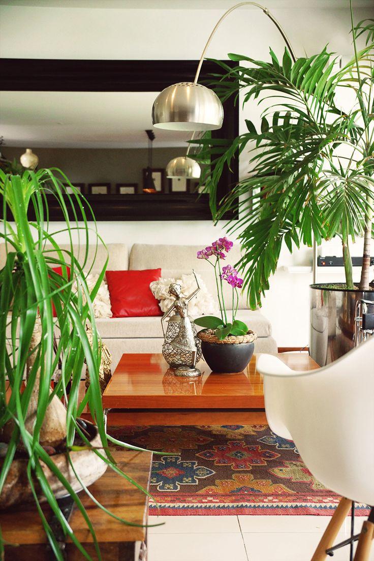 Casa 24 | Dionne Arquitectos #EamesChair #design #interior #architecture