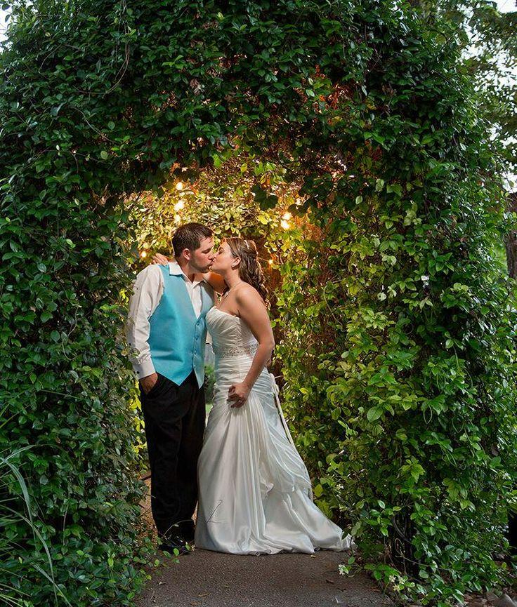 San Antonio Wedding Reception Halls: San Antonio Wedding Venue, Spinelli's Nestled In The Texas