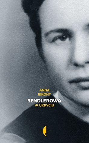 """W 2001 roku przyjechała do Polski grupa  amerykańskich uczennic, które napisały sztukę o Polce ratującej w czasie wojny  żydowskie dzieci. Z dnia na dzień po latach zapomnienia Irena Sendlerowa stała  się bohaterką mediów i symbolem wszystkich tych, którzy mieli odwagę sprzeciwić  się złu. Do zorganizowania pomocy potrzebny był  sprawnie działający system, pieniądze i siatka zaangażowanych osób, gotowych  zaryzykować życie. Jak wspominał profesor Bartoszewski, """"łatwiej było znaleźć…"""