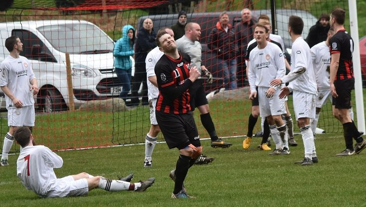 Cartmel and Corinthians through to Westmorland Cup Final http://www.cumbriacrack.com/wp-content/uploads/2017/03/A-disapointed-Andy-Rigg-shoots-inches-wide-for-Keswick-Ben-Challis.jpg Cartmel & District AFC and Milnthorpe Corinthians are through to the final of the Westmorland FA's Senior Challenge Cup, with wins over Kirkoswald and Keswick    http://www.cumbriacrack.com/2017/03/13/cartmel-corinthians-westmorland-cup-final/
