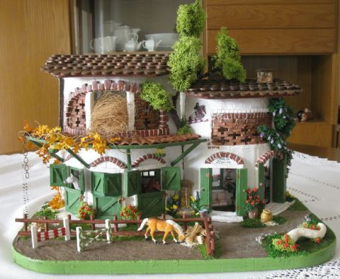 564 best Doll Houses images on Pinterest Dollhouse ideas