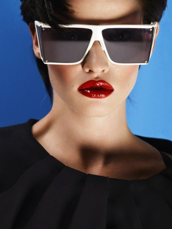 Hot lips: Lara Stones, Shades, Cuneyt Akeroglu, Vogue Turkey, Hot Lips, Fashion Design, Oakley Sunglasses, April 2012, Vogue Turkey