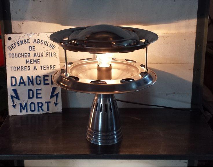17 meilleures id es propos de soucoupe volante sur pinterest conception d - Lampe soucoupe volante ...