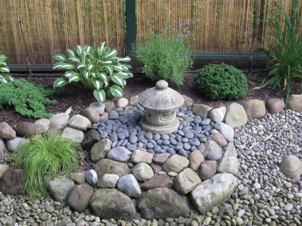 suculent japanese zen garden ideas with stone decoration and japanese tradional