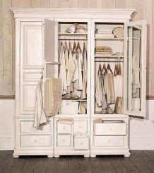 antikk garderobeskap noe i denne duren - om noe har noe stående på loftet ;)