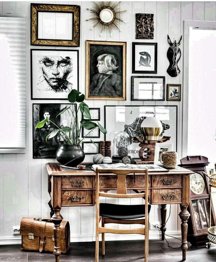 My little gallerywall in the livingroom.