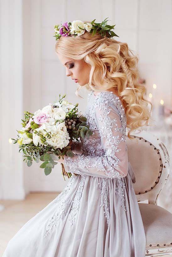 Ślubne upięcia z kwiatami