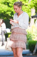 Kym Johnson was pictured while texting as she back from shopping http://celebs-life.com/kym-johnson-pictured-texting-back-shopping/  #kymjohnson
