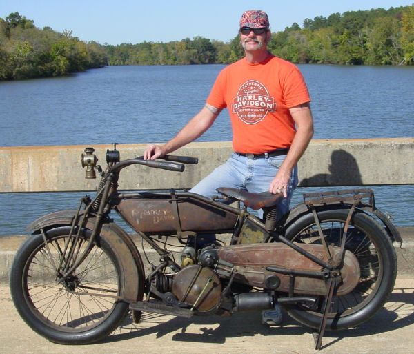 100 Years of Harley-Davidson - Gallery Picture of a 1920 Harley-Davidson Sport
