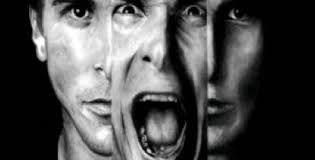 Şizofreni, gerçeği değerlendirme, duygularını kontrol edebilme, berrak düşünebilme, yargıda bulunabilme ve iletişim kurma yeteneklerini etkiler. Zekâ düzeyi ile ilişkisi yoktur. Şizofreninin belirtileri genel olarak pozitif ve negatif olarak sınıflandırılmaktadır.