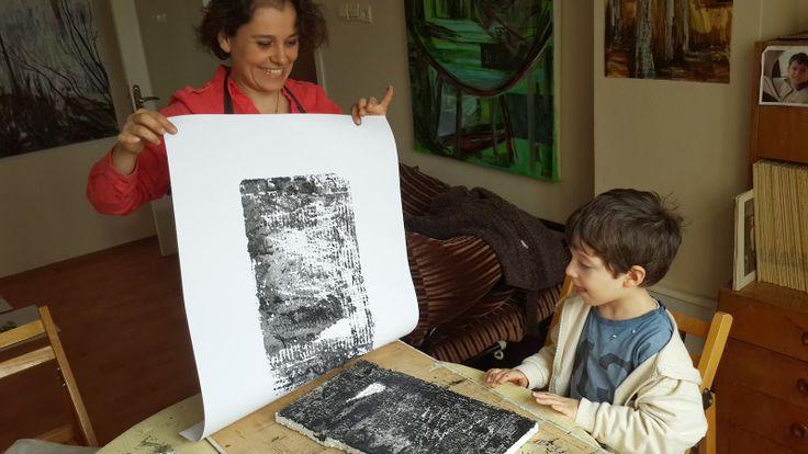 easy printmaking for kids! http://cinarslife.blogspot.com.tr/2014/04/gorsel-sanat-dersleri-van-gogh-pera.html  Çınar'ın hayatından yansıyanlar...: Görsel Sanat Dersleri / Van Gogh / Pera Müzesi / Özgün baskı