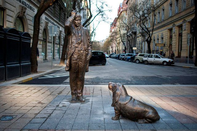 Peter Falk (Columbo) in Budapest, Falk Miksa street