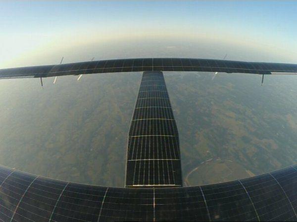 Intorno al mondo con un aereo solare. Solar Impulse 2 è il futuro del volo senza carburante. Read more on our blog: http://bit.ly/1Th9u2R #fotovoltaico #VerdeElettrico #green #SolarImpulse