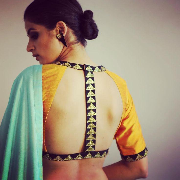 The #harness choli will make sure all the attention is on your beautiful back ! #winterfestive2015 at #priyalprakashhouseofdesign #priyalprakash #indianwear #instafashion #indianbride #indianwedding #indiandesigner #bridalwear #trousseau #sangeet #mehendi #ootd #lookoftheday #indianfashion #choli #blouse #saree #sari
