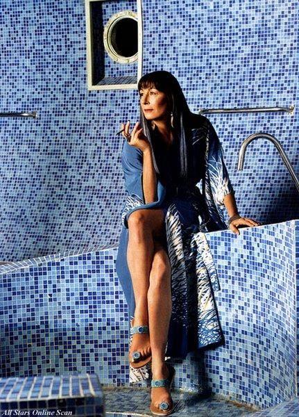 Anjelica Huston as Eleanor Zissou in The Life Aquatic