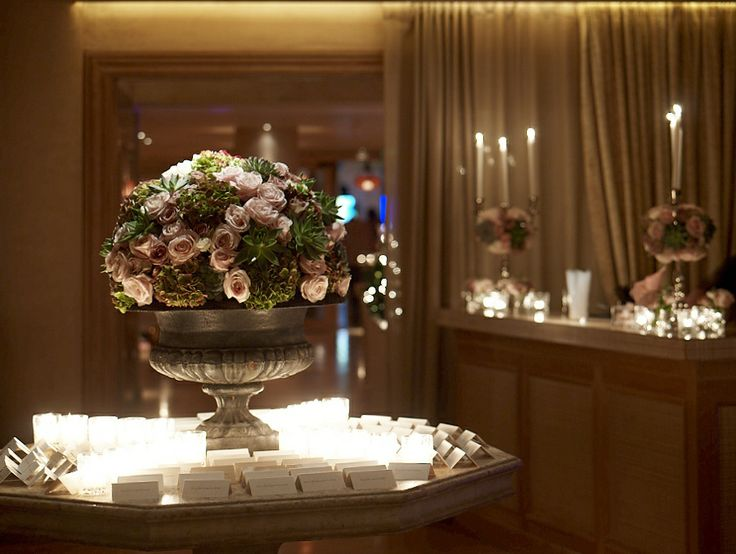 Pale pink rose centerpiece!A floral composition made out of dreams!