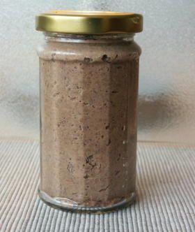 Nussig-scharfer, kalorienarmer Brotaufstrich aus Bohnen