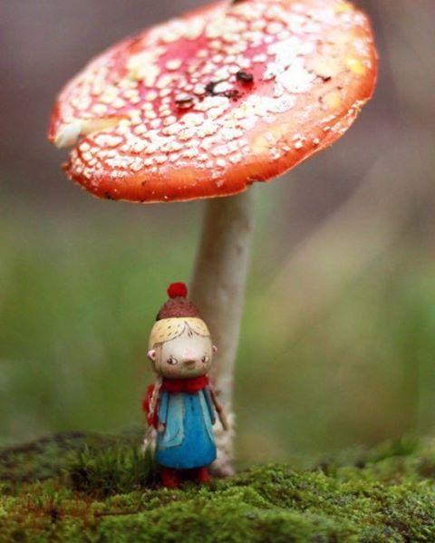 малышня в саду утепляется. достают шапки и прячут красные носы в шарфы. #kotyasya_добывайки 🌿 забронирована/reserved