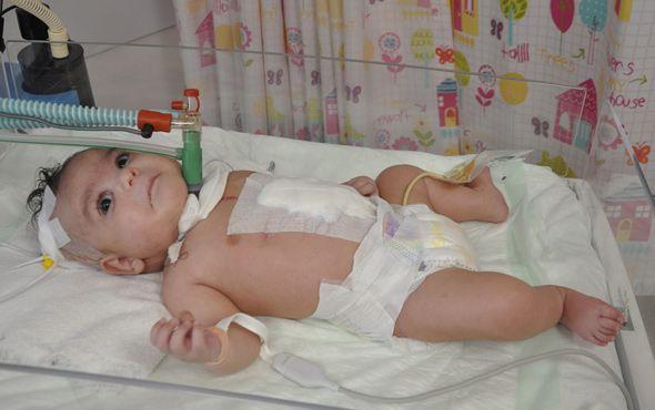 """3 aylık bebek 30 dakikalığına öldü  """"3 aylık bebek 30 dakikalığına öldü"""" http://fmedya.com/3-aylik-bebek-30-dakikaligina-oldu-h42323.html"""