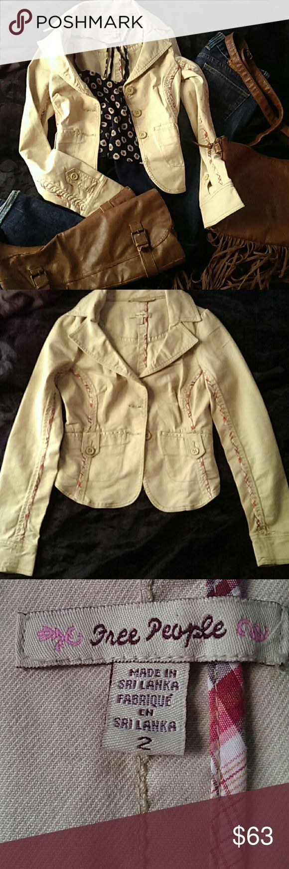 Free People SALE Jacket Free People Super Cute jacket.goes great with a pair of jeans and a pair of boots.Its in fantastic condition and its a size 2.No trades,Price firm,no offers,no returns,all sales final,I only sale to trusted buyers,happy poshing Free People Jackets & Coats