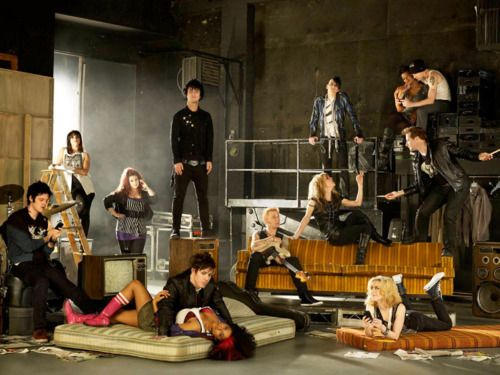 Why have I never seen this photo of the cast of American Idiot?