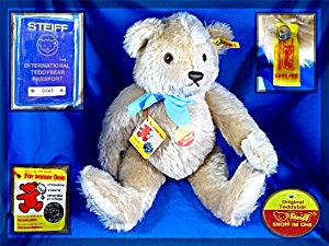 I have a Steiff Passport bear. Bought in Bremerhaven, FRG in 1985-86.