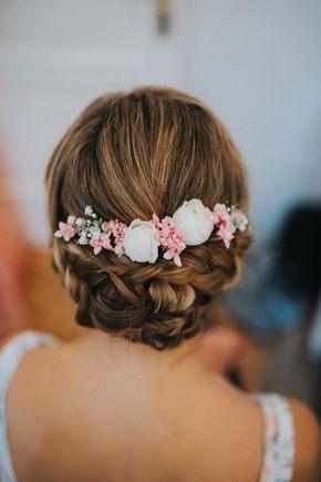 Penteado de noiva, penteado de casamento, updo com flores reais, casamento, roman …   – Hochzeit in Rosa, Nude, Blush und Rosé