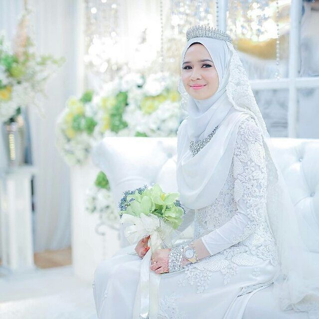 Stunning! Awesome photo by @photobyarif . . . #weddingphotography  #muslimwedding #muslimweddings #weddingideas #muslimweddingideas #islamicwedding #weddings #weddinginspiration #nikah #nikkah #nikaah  #hijab #hijabfashion #hijabbride #hijabibride #hijabbrides #hijabbeauty  #muslimbride #muslim #muslimweddingdress #weddingdress #muslimbridal #muslimbrides #modestbride #weddinghijab #bridalhijab #themodestbride #weddinghijabstyle #wedding #hijabwedding