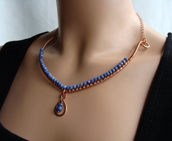 SIMPLE belleza cobre y bígaro collar azul alambre envuelto