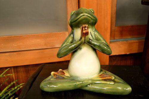 【楽天市場】アジアン雑貨 バリ雑貨 ♪陶器のメディテーション カエルさん(Cタイプ)♪ 置物 オブジェ オーナメント カエル 蛙 かえる グッズ 陶器 P15Aug15:Mystyleインテリアストア