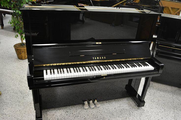 Upright Piano Yamaha U3 Studio Refurbished Four Star Piano