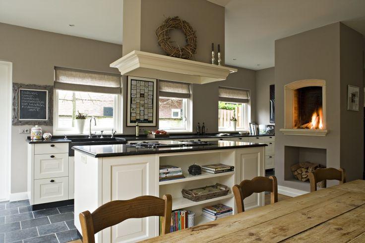 Mooie leefkeuken interieur pinterest brick ovens kitchen fireplaces and window table - Keuken met kookeiland table ...