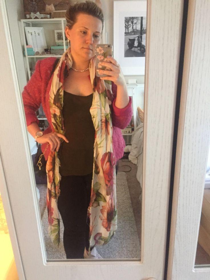 Curvy Petite | Hot Pink, Olive and Black. Top, Trousers, Zara. Shoes, purse, Primark. Scarf, TK Maxx. Blazer, Tara Ryan. Earrings, Necklace, Algie's. Watch, Kate Spade Metro.